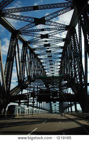 Empty Harbour Bridge
