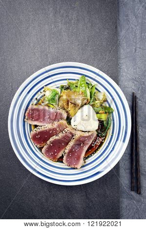 Tuna Tataki with Vegetable and Onigri