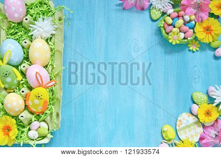 Easter decorations with colorful eggs and flowers