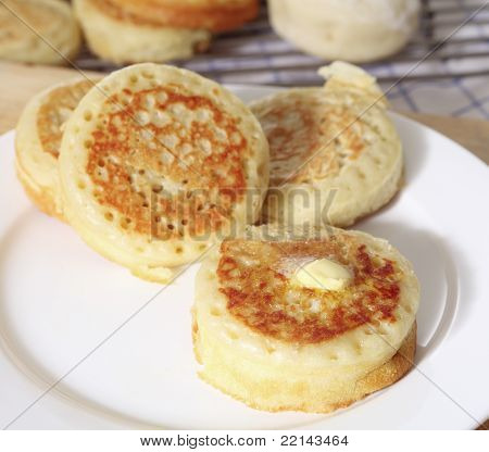 Buttered English Crumpets