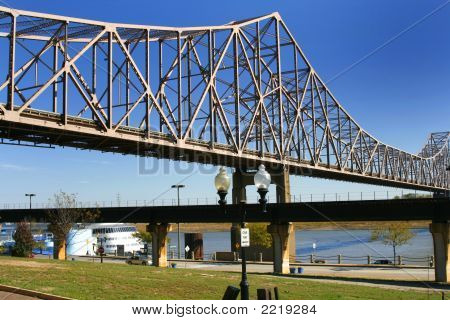 Bridge Over Mississippi River In St. Louis