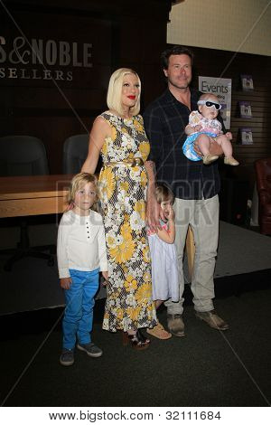 LOS ANGELES - APR 17: Tori Spelling, daughter Stella, son Liam, daughter Hattie, husband Dean McDermott at a signing for her book 'celebraTORI' on April 17, 2012 in Los Angeles, California
