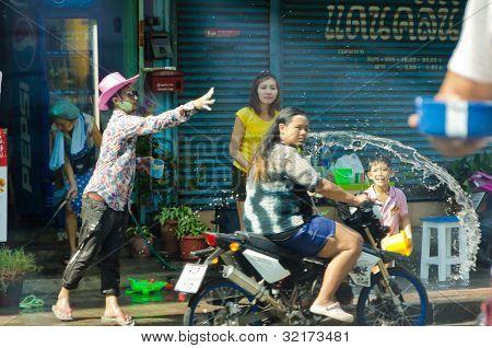 Accidente en Songkran, Tailandia