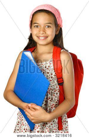133 Colegiala con mochila roja y azul carpeta