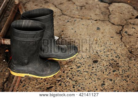 Used Black Rubber Boots