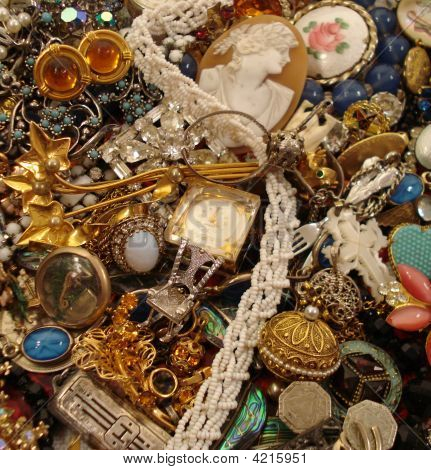Exquisite Vintage Jewelry