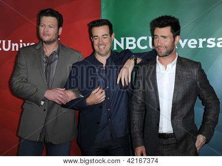 LOS ANGELES - JAN 06:  Blake Shelton, Carson Daly & Adam Levine arrives to the NBC All Star Winter TCA 2013  on January 06, 2013 in Pasadena, CA
