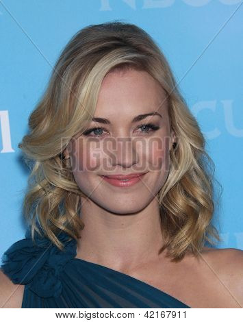 LOS ANGELES - JAN 06:  YVONNE STRAHOVSKI arriving to TCA Winter Press Tour 2012: NBC Party  on January 06, 2012 in Pasadena, CA