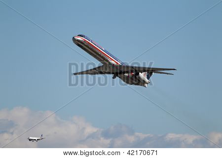 American Airlines Mcdonnell Douglas Md-82