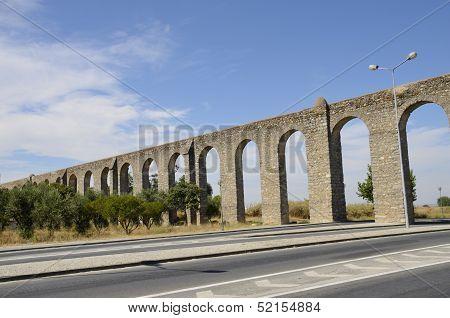 The Agua De Prata Aqueduct