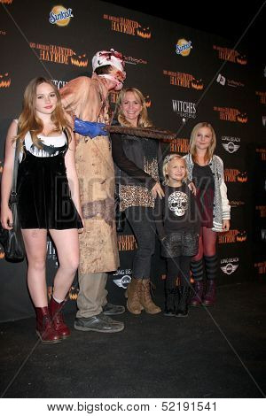 LOS ANGELES - OCT 10:  Natalie Alyn Lind, Barbara Alyn Woods, Alyvia Lind, Emily Alyn Lind at the 8th Annual LA Haunted Hayride Premiere Night at Griffith Park on October 10, 2013 in Los Angeles, CA