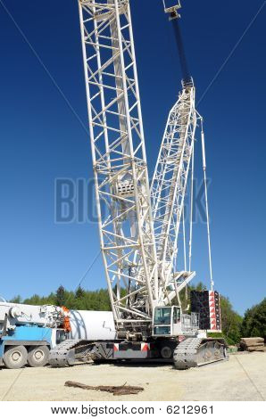 Huge crane