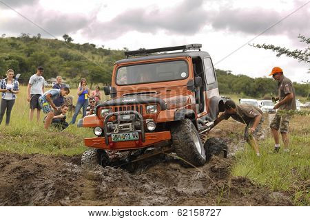 Crush Beige Jeep Wrangler Off-roader V8 Without Axel Strap