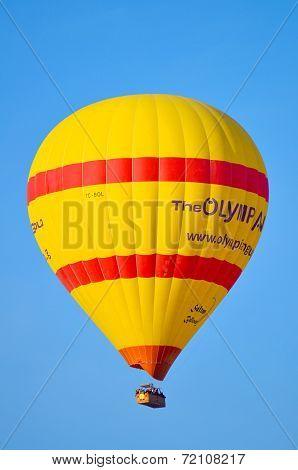 Hot air balloon fly