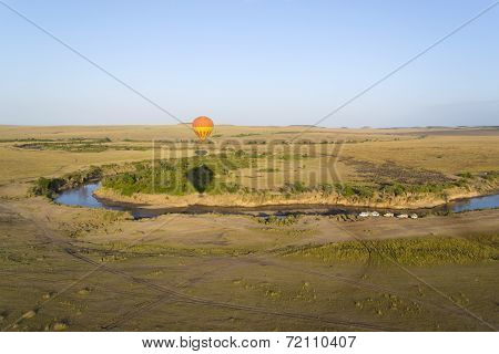 Balloon over Mara river, Kenya