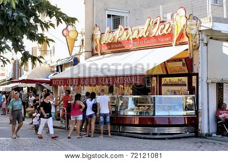 Ice Cream Shop In The Pedestrian Street Of Saintes-maries-de-la-mer