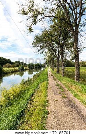 The Canal Entre Champagne Et Bourgogne, Pont De Marne (france)