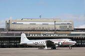 ������, ������: Berlin Tempelhof airport
