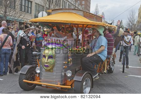 Mardi Gras Parade And Pubcycle