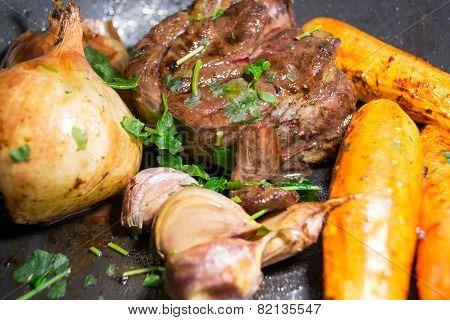 Beef Garlic Onions and Carrots