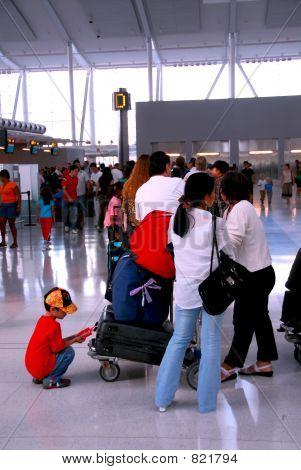Queue airport