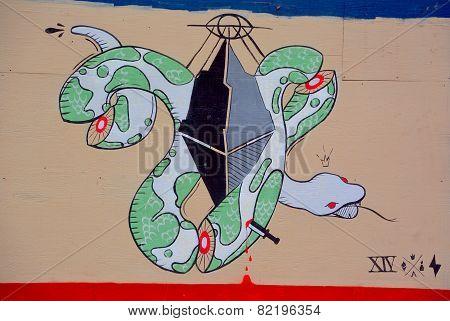 Street art Montreal snake