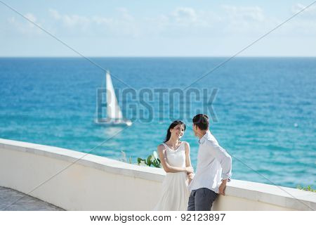 Honeymoon Romantic Couple Near Sea