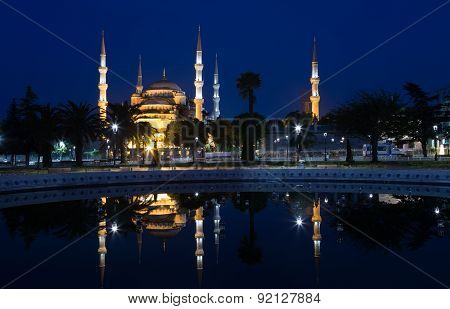 Blue Mosque (sultan Ahmed Mosque) Is Reflected In Water, Istanbul