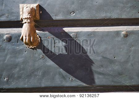 Abstract  House  Door    Italy  Lombardy   Hand