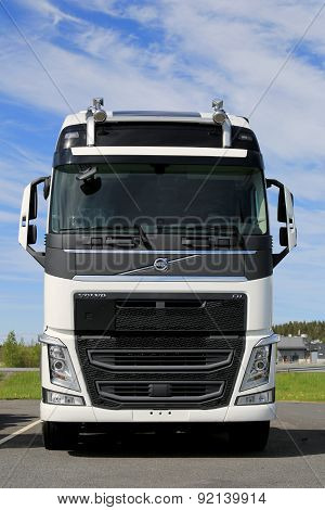 New White Volvo FH Truck, Front View