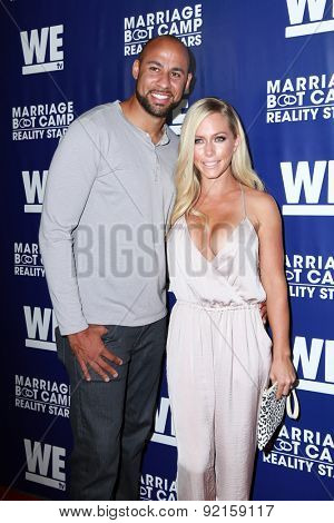 LOS ANGELES - MAY 28:  Hank Baskett, Kendra Wilkinson at the WE tv's