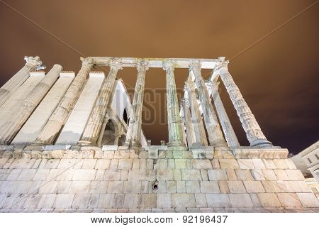Night view of Temple of Diana in Merida, side view