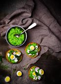 pic of pea  - canape with green peas paste and eggs - JPG