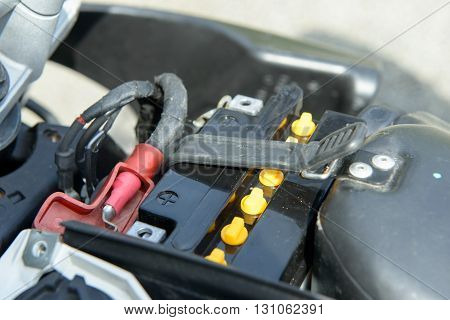 an installation of the motorbike battery power