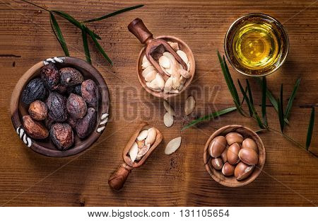 Composition of argan fruits seeds and oil for skin care