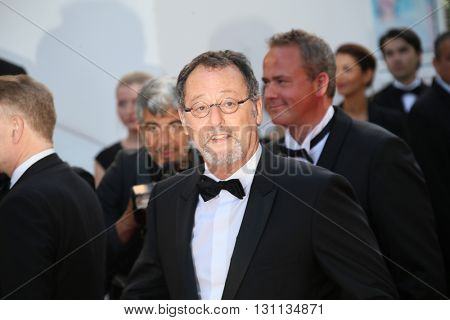 Jean Reno attends 'The Last Face' Premiere during the 69th Cannes Film Festival at the Palais on May 20, 2016 in Cannes, France.