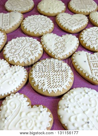 Gingerbread cookies decorated with icing like lace