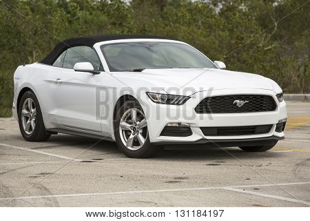FORIDA USA - JANUARY 8 2016: Ford Mustang 2.3 EcoBoost PREMIUM modšl 2015. mustang ford cabrio