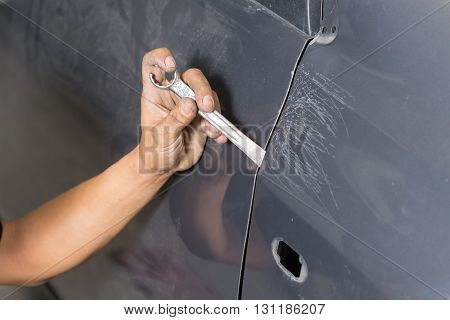 Auto body repair series : Fixing car body