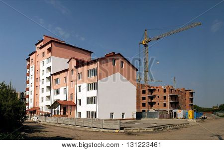 The process of construction of multi-apartment building (new building Ukraine).