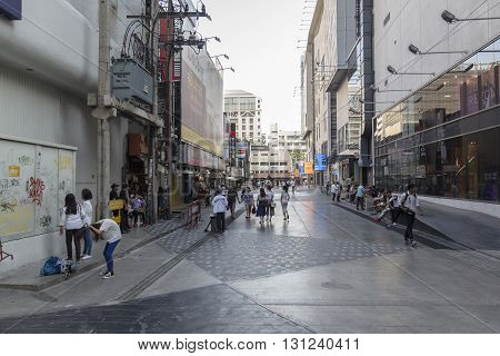 BANGKOK THAILAND - APR 24 : Unidentified people on walking street at side of Siam square one in Siam square on april 24 2016 thailand. siam square is famous shopping place of Bangkok