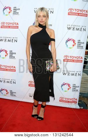 LOS ANGELES - MAY 21:  Caroline Vreeland at the An Evening With Women 2016 at Hollywood Palladium on May 21, 2016 in Los Angeles, CA