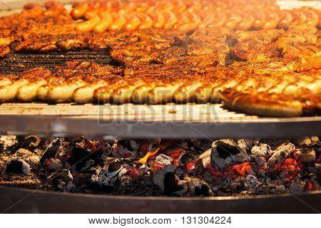 different sort of meat became grilled on a Schwenker