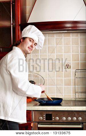 Cook cocinar en la cocina