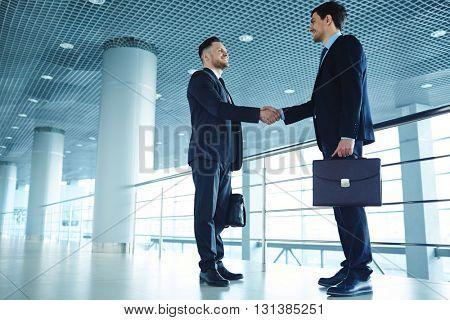 Handshaking partners