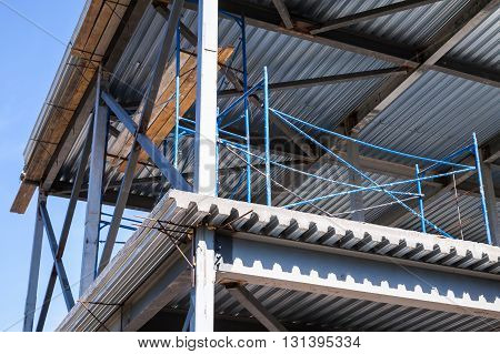 Steel Beams, Decking With Concrete Floors