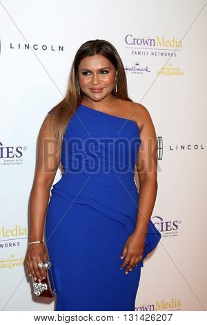 LOS ANGELES - MAY 24:  Mindy Kaling at the 41st Annual Gracie Awards Gala at Beverly Wilshire Hotel on May 24, 2016 in Beverly Hills, CA