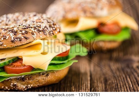 Bagel (with Gouda Cheese)