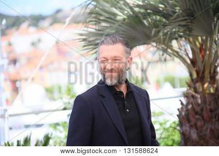 CANNES, FRANCE - MAY 19:  Vincent Cassel attends 'It's Only The End Of The World (Juste La Fin Du Monde)' during the Photocall - The 69th Cannes Film Festival on May 19, 2016 in Cannes.