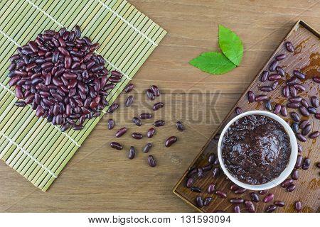 ogura, red, spoon, still, sweet, view, wood, wooden, floor